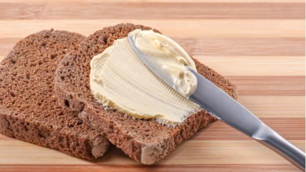 Šta mažeš na hleba?