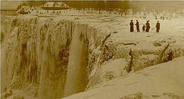 Zamrznuti Nijagarini vodopadi početkom 1900ih. Da li se ovo stvarno dogodilo?