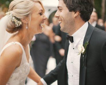 Zaljubljen srećan par na venčanju